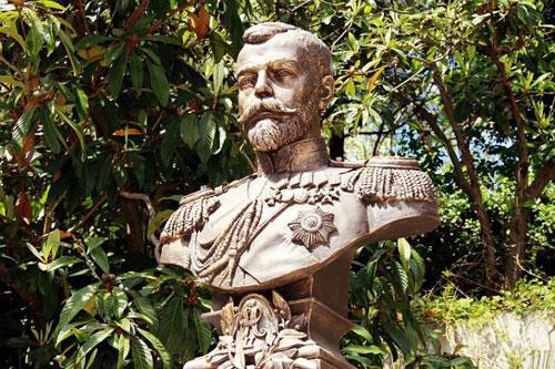 Бюст Николаю II