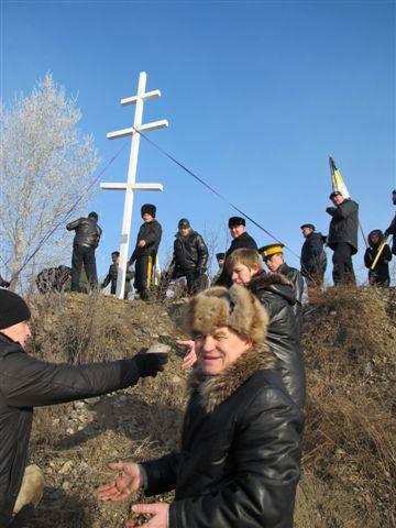 Установлен новый крест на месте упокоения адмирала Колчака