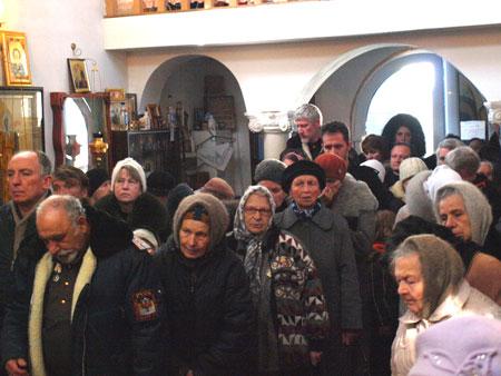 Второй слева А.В.Тевосов в окружении нескольких соратников СРН